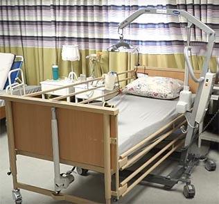 מיטת בית חולים חשמלית - מיטה מתכווננת חשמלית - מיטה סיעודית