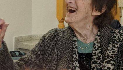 חוה אלדר מתנדבת יד שרה בית שמש